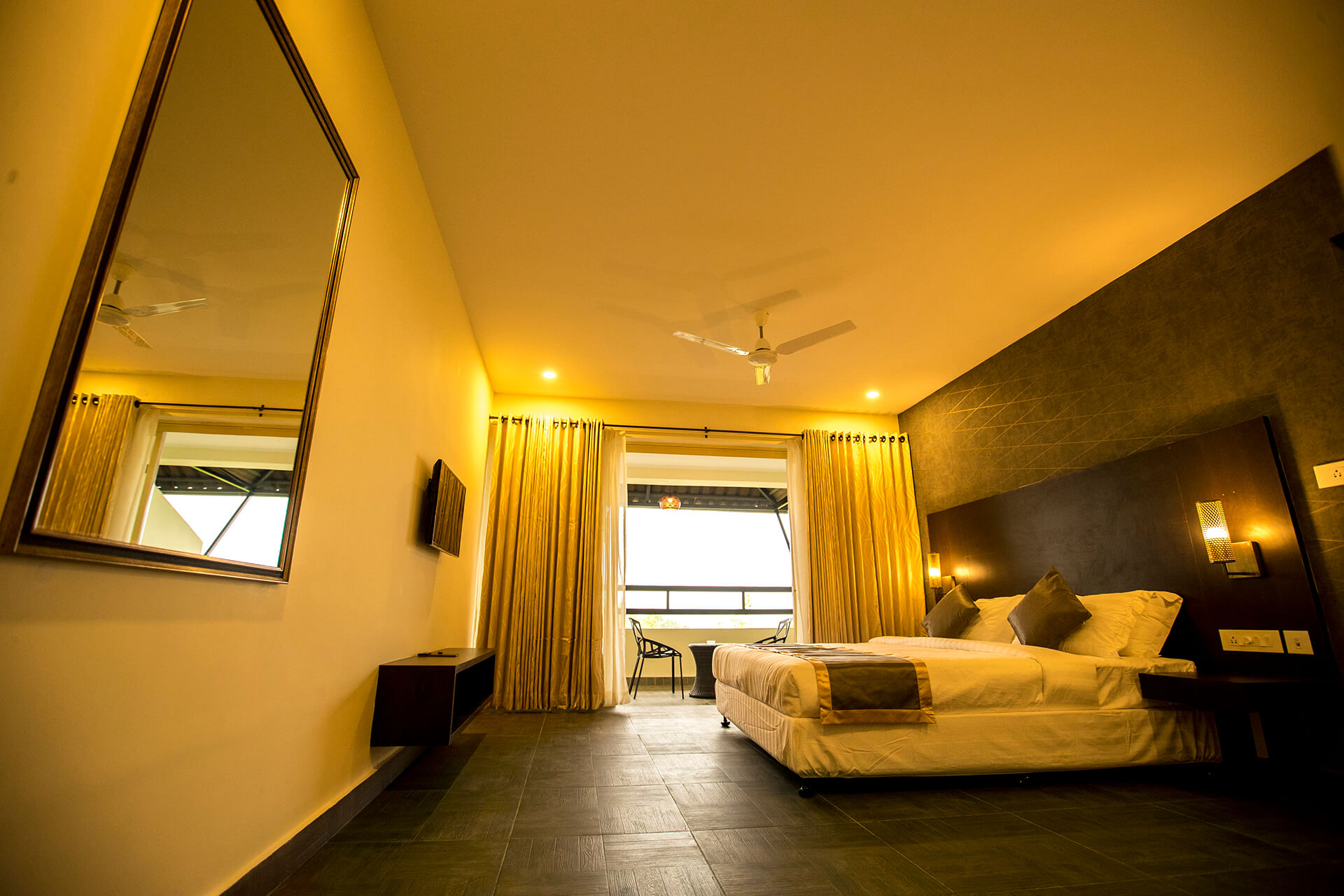 World Class Stay with 24x7 Service